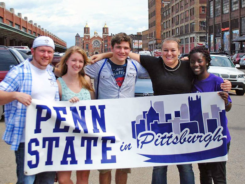 Penn State New Kensington students explore the Strip District in Pittsburgh